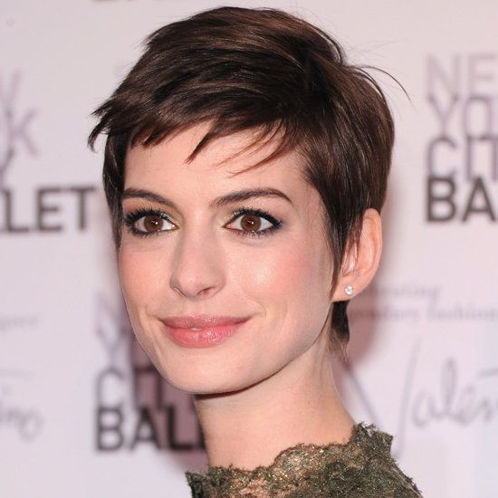 Again, LOVE Anne Hathaway's new short hair. She really knows how to work with it (or at least her stylist does.) Great makeup here too!