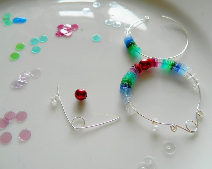 Diy plastic bottle earrings gioielli pinterest for Bottle plastic diy
