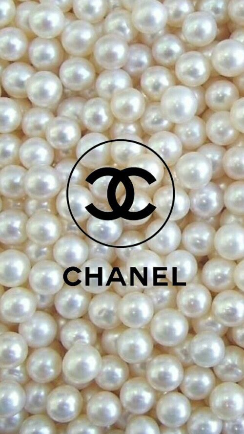 ✦⊱ɛʂɬཞɛƖƖą⊰✦                                                                                                                                                                                // chanel perle blanche