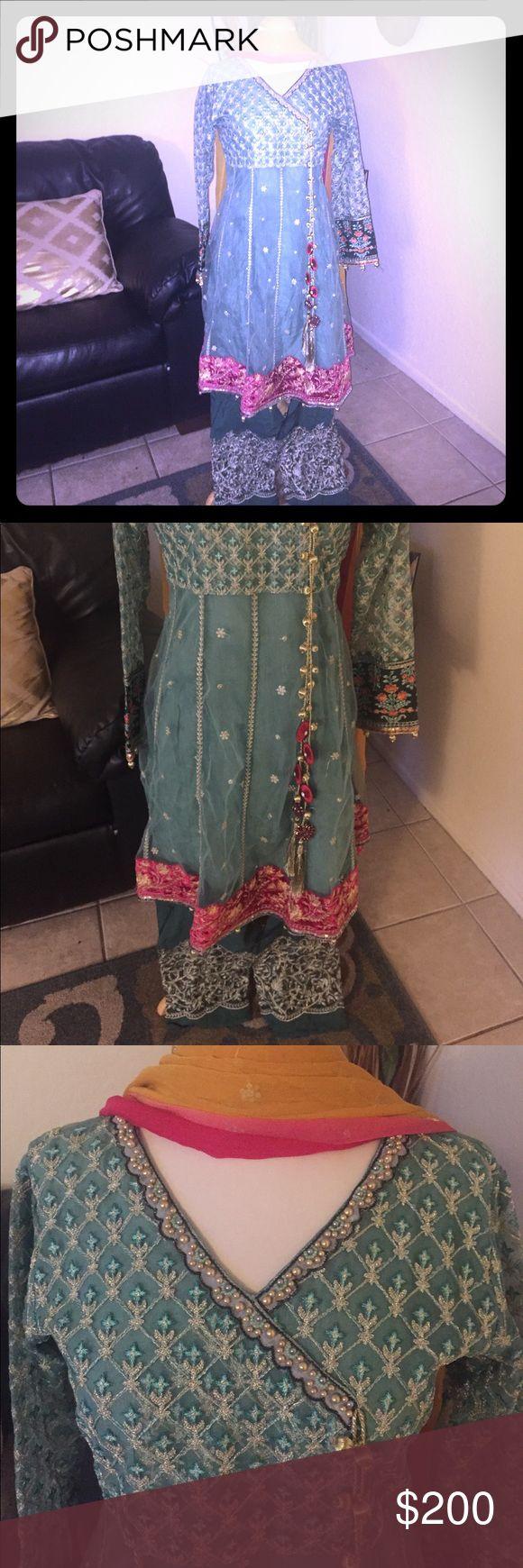 Beautiful Pakistani dress Gorgeous Pakistani dress Dresses