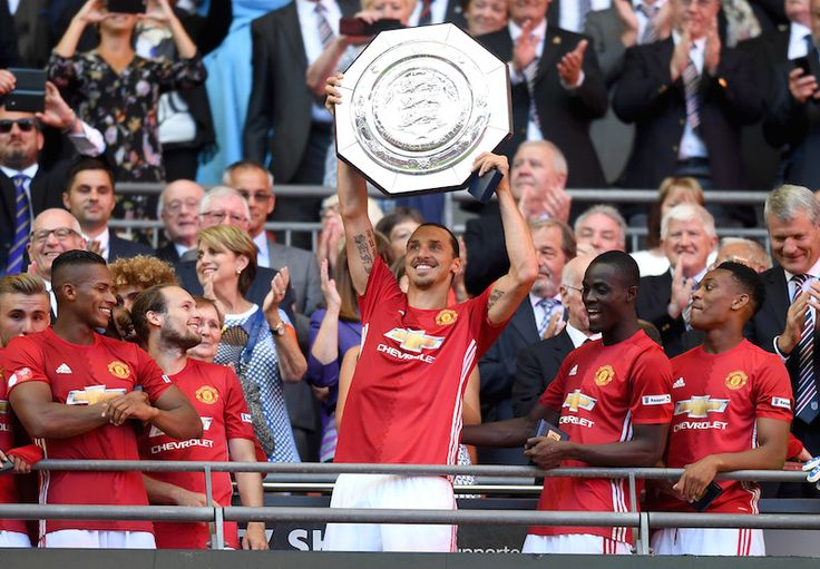 Community Ceiled Manchester United Zlatan Ibrahimovic