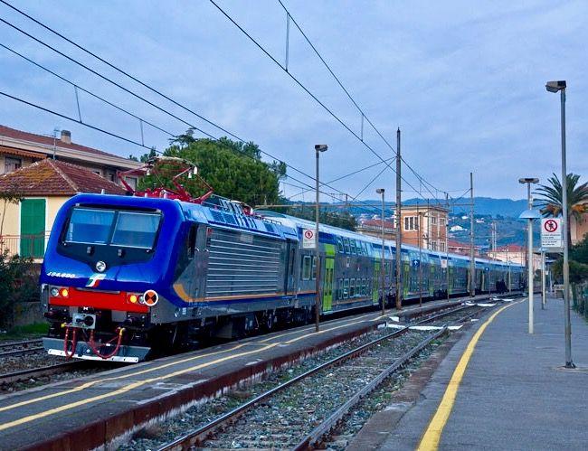 Bombardier TRAXX Electric Locomotive, E464 in Italy