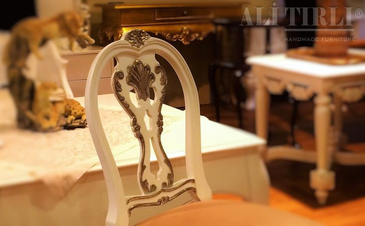"""Özel hissetmek isteyenlere"" | Photo Dırector by @husseintirli   #alitirli #florya #sandalye #homedecor #mimar #livingroomdecor #icmimar #home #showroom #koltuk #persan #goblen #homeinterior #interiors #epengle #classic #furniture #oturmagrubu #aksesuar #mobilya #perde #istanbul #yemekmasasi #cita #yesilkoy #art #luxury #interiorsdesign #klasikmobilya"