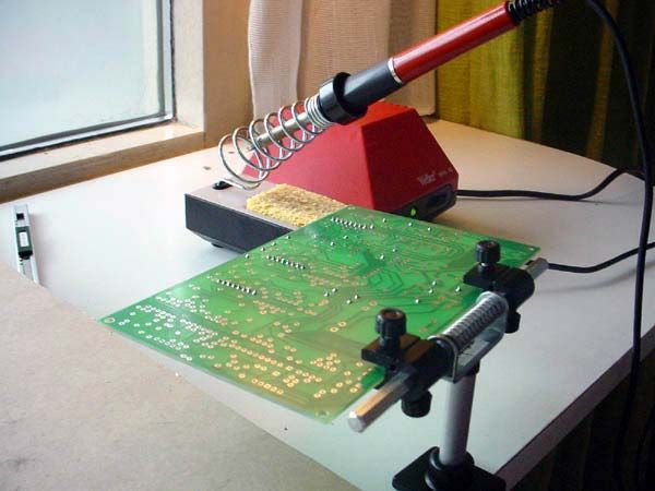 Pcb holder electronics tools pinterest for Homemade electronic gadgets