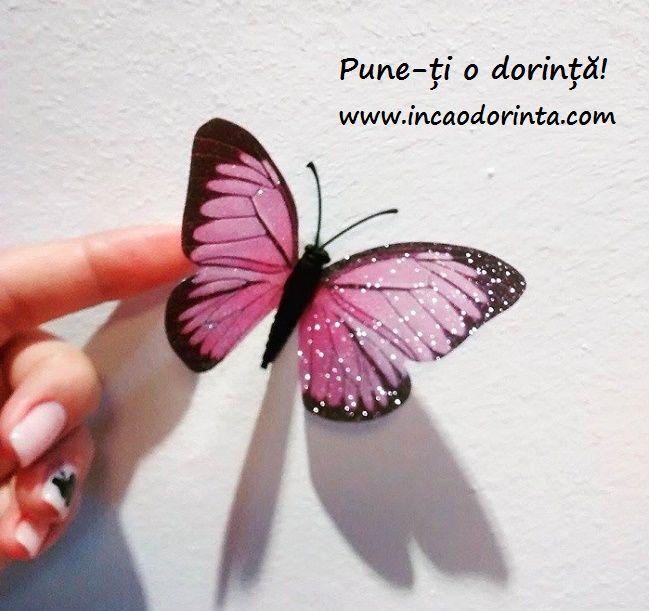 """""""Ana se apropie, uşor atrasă de parfum. Întinse mâna şi fluturii se risipiră ca luaţi de vânt şi împrăştiaţi în aer. Era acolo. El era acolo, atât de real, atât de frumos."""" - Încă o dorință, pag. 215  Află și tu povestea Anei. Citește cartea!  O poți comanda aici: www.incaodorinta.com"""
