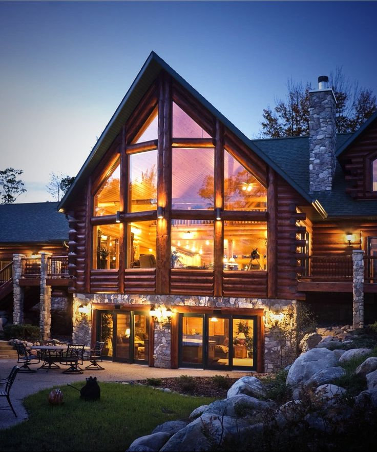 Golden Eagle Log Home.