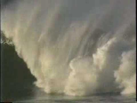 [SURF] Jay Moriarity - Insane Wipeout at Mavericks (1994) - Live Like Jay