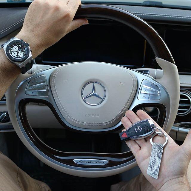 @michael_louis_ #Python Key Holder X #Mercedes X #AudemarsPiguet  via LUXURY LIFESTYLE MAGAZINE OFFICIAL INSTAGRAM - Luxury  Lifestyle  Culture  Travel  Tech  Gadgets  Jewelry  Cars  Gaming  Entertainment  Fitness