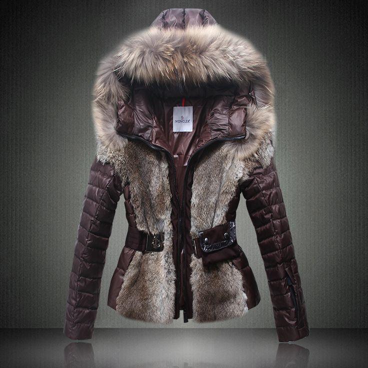 2014 Moncler Grenoble Jagerhorn luxe fourrure Down Jacket pour les femmes dans le café