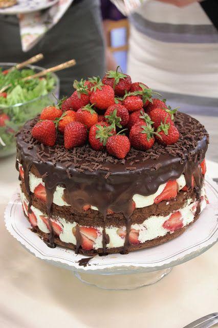 KakkuKatri: Minttuinen mansikkasuklaakakku