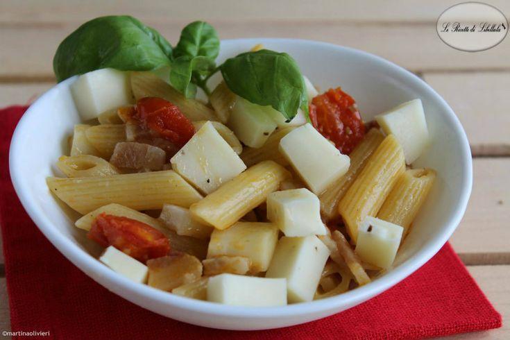 Pasta con pomodorini e formaggio