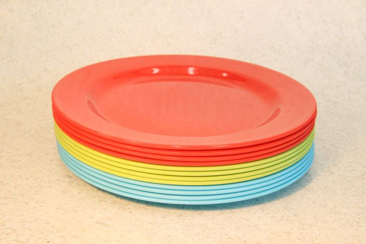 Plastic/Melamine round dinner plate, 3 colours (4 pack), Assistive Style $10