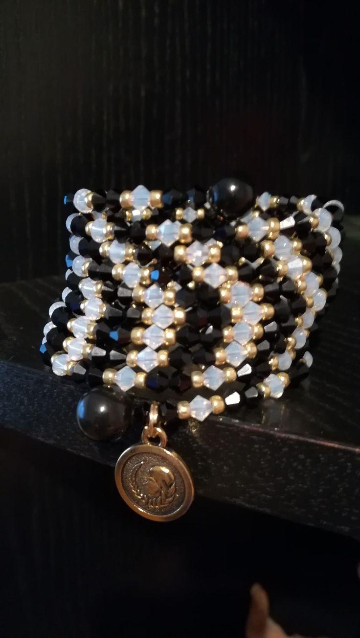 Memory wire bracelet, Swarovski korálky, TOHO gold korálky