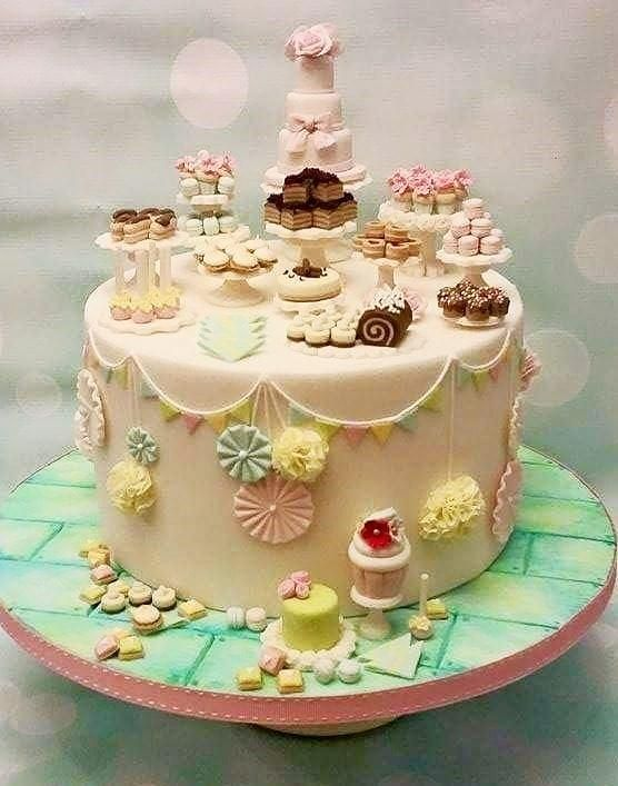 GOLD CI - Dessert Table by Shereen