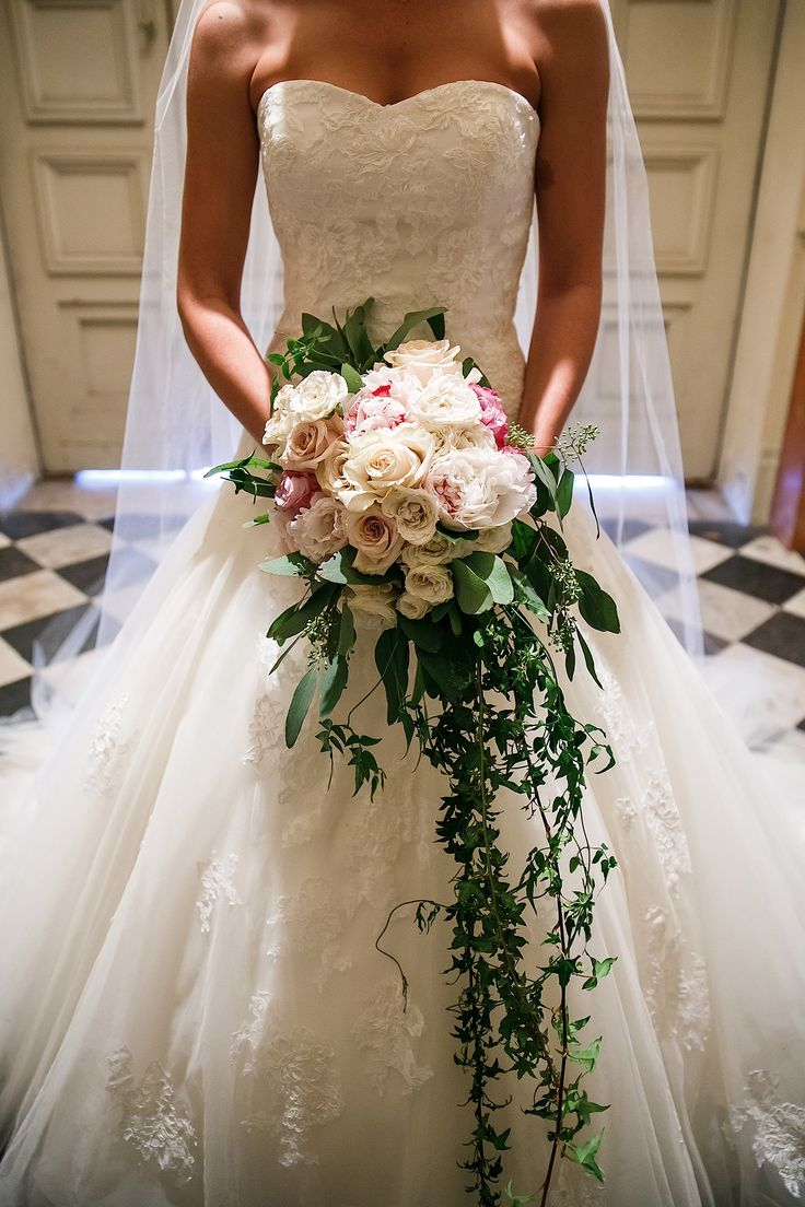 Greenery Galore Lush (and cost-effective) greenery is taking center stage; Allison Laesser-Keck from Viva La Diva Events tells us that her brides can't get enough of it! Magnolia leaf, ivy, rosemary, mint and dusty miller are all being used in new and unexpected ways.