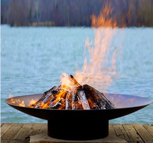 Metal fire bowl.