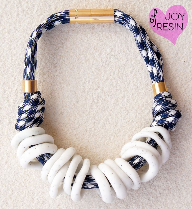 Rope necklace#simple outfit#pure white/stone/marble look/navy/paterned paracord#summer inspiration#sea#brass#metal findings#glamour look by JOYofRESIN on Etsy