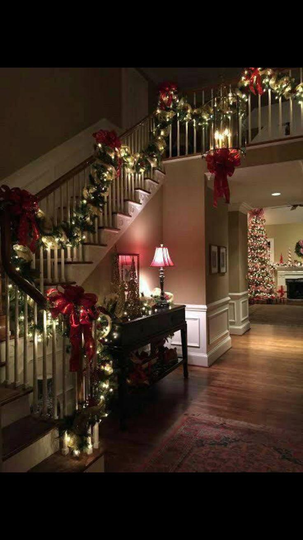 Christmas garland and lights for staircase #xmas #christmas #homedecor