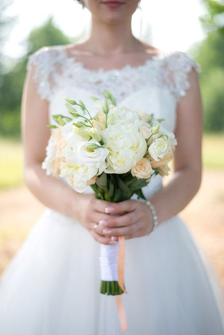 Daria Chesnokova photography. Summer Wedding. Bride. Bouquet.