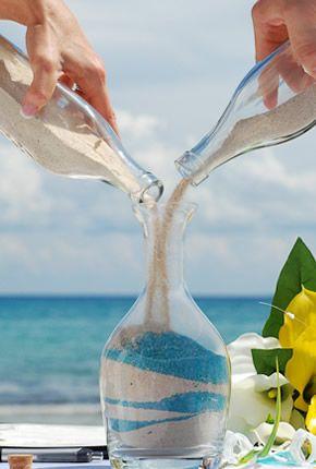 Conocido también como las bodas de arena, este ritual reúne arena de mano de cada contrayente dentro de un recipiente simbolizando así la unión eterna entre los novios.…