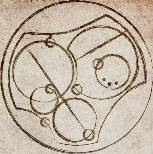 """I love you, Written in Circular Gallifreyan. <<< it says """"Rose Tyler I"""", doesn´t it? *suspiciously looks at it*"""
