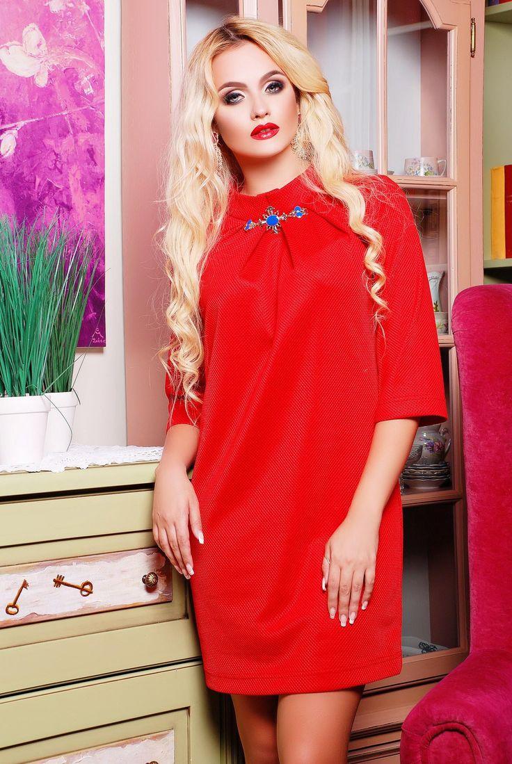 Свободные красные платья фото