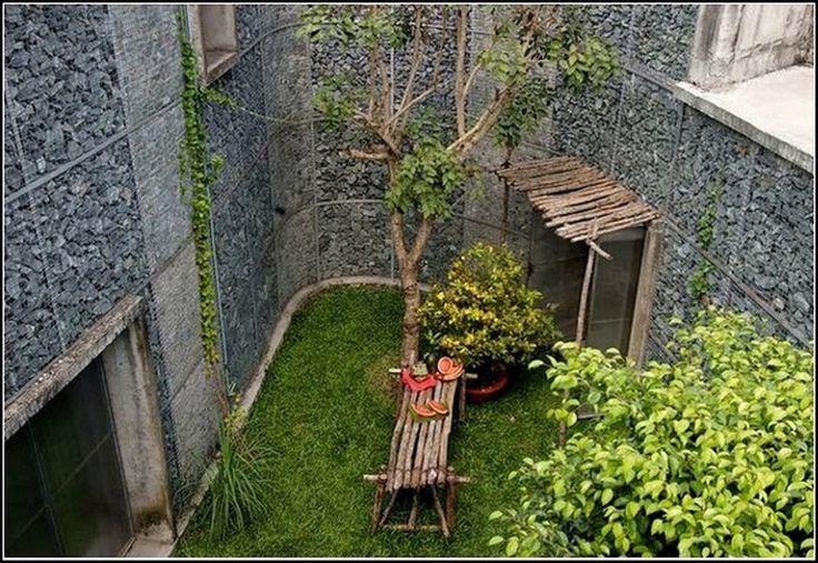 Офис со своими джунглями http://on.fb.me/1TxjdHt  Достаточно пройтись несколько шагов до собственных джунглей во дворе