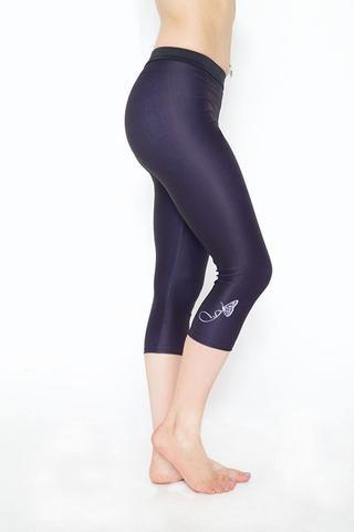 Jess by HD cropped 3/4  black stripe gym leggings