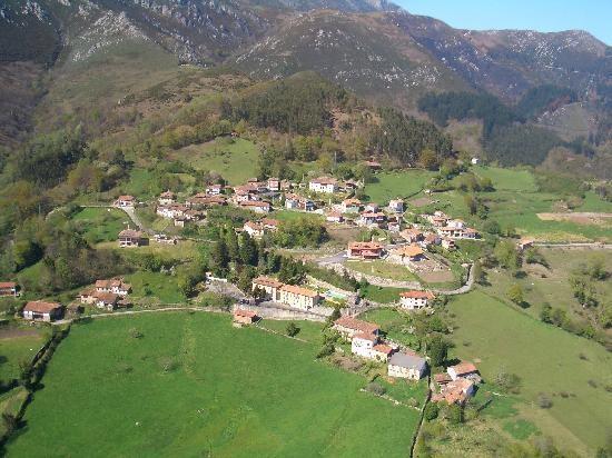 vista del pueblo de Cofiño