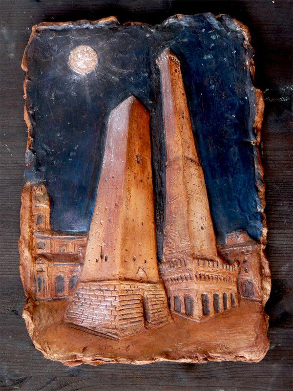 le due Torri e la Luna di Bologna