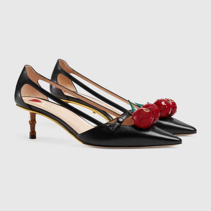 GUCCI Unia Cherry. Модная обувь всемирно известных брендов. Товары категории люкс. Качественные реплики, популярные в текущем сезоне.