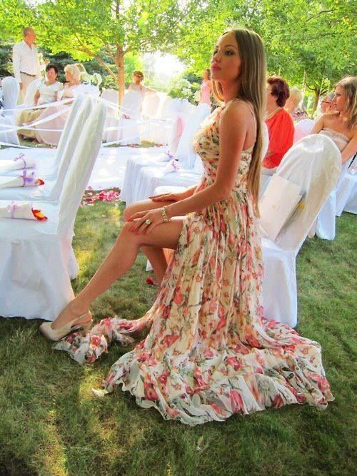 I'd kinda feel upstaged at my wedding if a girl sat like this lol
