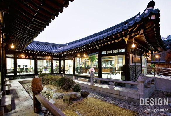 월간 디자인_ [한국 디자인 오늘] 傳統 다시 전통에게 묻다: 한옥의 재구성