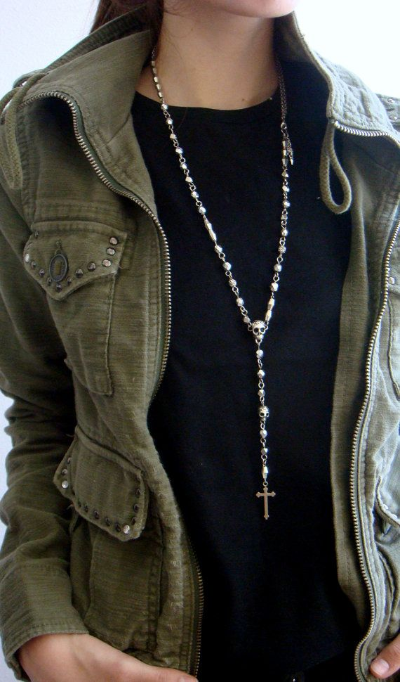 Hey, I found this really awesome Etsy listing at https://www.etsy.com/listing/165272083/rosary-necklace-silver-skull-mens-rosary