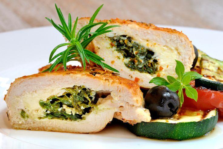 Pechuga de pollo rellena con espinacas, queso crema y nueces - Recetín