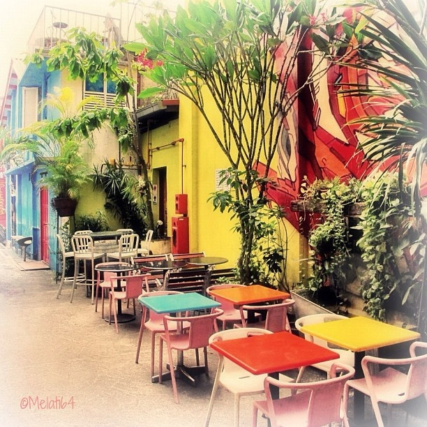 Lovely Place For A Drink Or MealKampong Glam