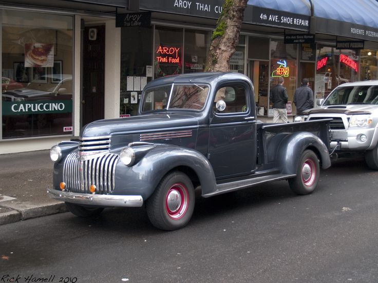 http://www.1nova.com/photoblog/wp-content/uploads/2010/02/Old_Pickup_Truck.jpg