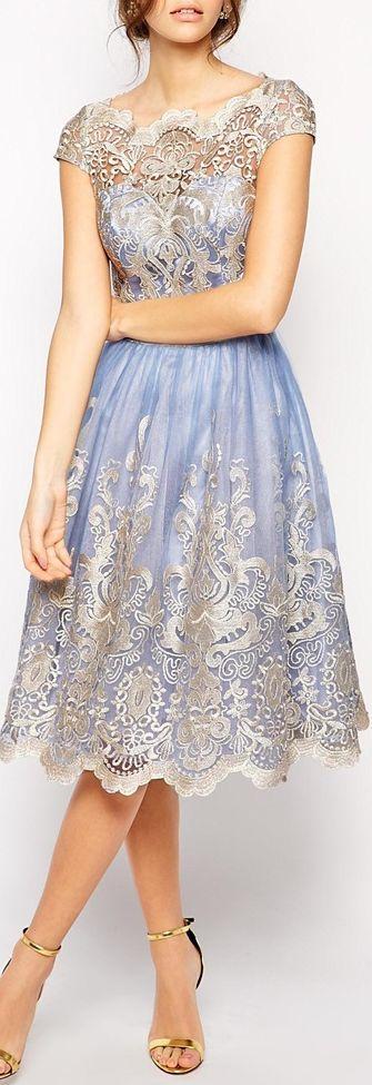 vestido de renda metálica