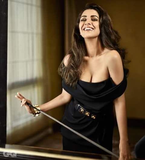 Sexy Unseen Indian girls pic: Unseen Sexiest ever Nimrat Kaur hot pics