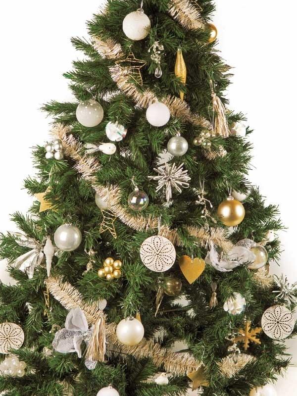 Otro arbol pero en dorado,pues sigo diciendo,cada año deve ser distinto.
