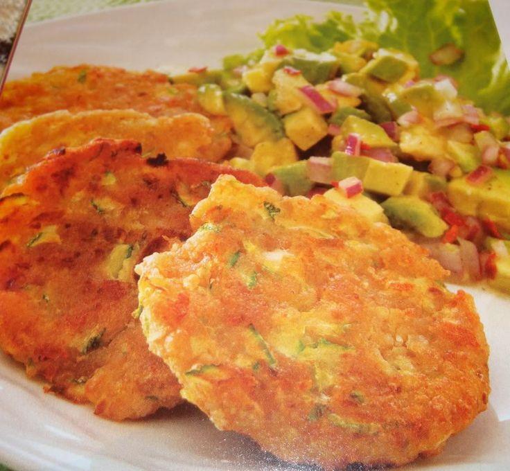 Esta receta es super sana, para vegetarianos y para los que estáis haciendo dieta, va super genial!! te animo a hacerla, veras que rico es!! Ingredientes: 1 calabazamediana 1 calabacín 1 zanahoria...