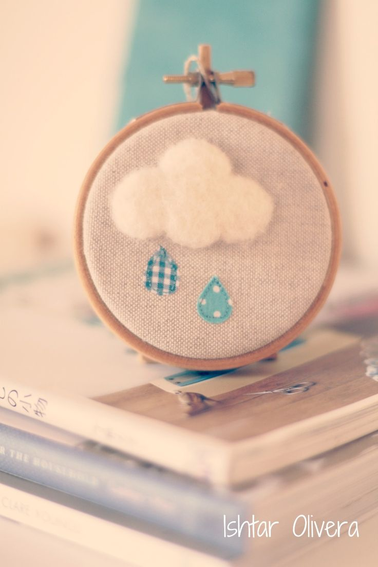 Embroidered hoop with wool cloud by pilli pilli handmade ♥