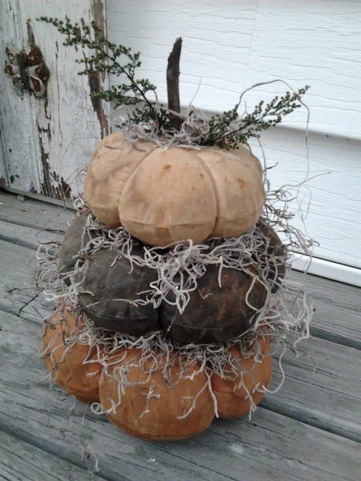 Stacking Fabric Pumpkins, handmade USA, www.kathysholiday.com