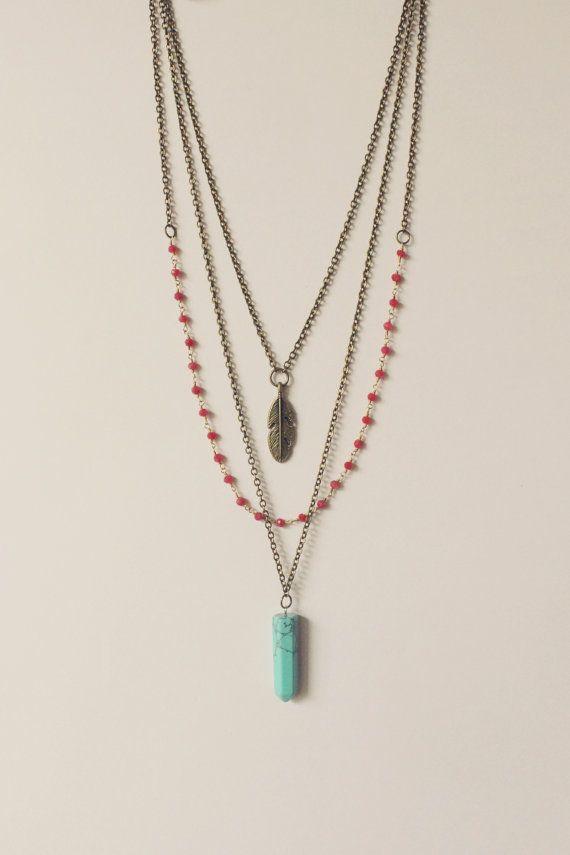 He encontrado este interesante anuncio de Etsy en https://www.etsy.com/es/listing/254609292/collar-de-piedras-preciosas-capas-collar