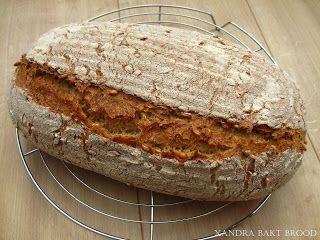 Xandra bakt brood: 100% Speltbrood met speltkorrels