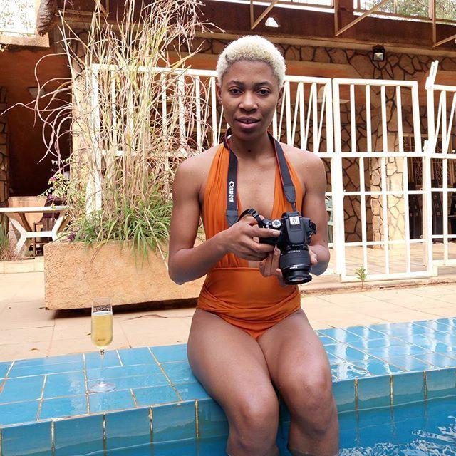 Faut pas chercher des gros nichons  il y a que des muscles ... . Qui a dit qu'a Niamey je m'amuse pas...  . Bon dimanche.  . . #ootd#outfit#ootdshare#style#blogger#stylish#styleoftheday#shooting#shot#visitelafrique#fblogger#fashionblogger#fashion#fashionstyle#look#lookbook#lookoftheday#mode#primark#pimkie#niger#arras#north#france#travelblogger#travel
