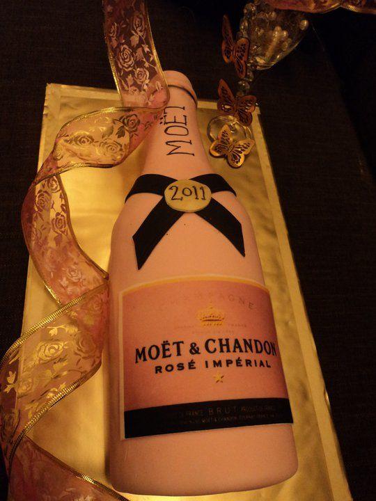 MOET &amp CHANDON Champagne Celebration Cake cakepins.com