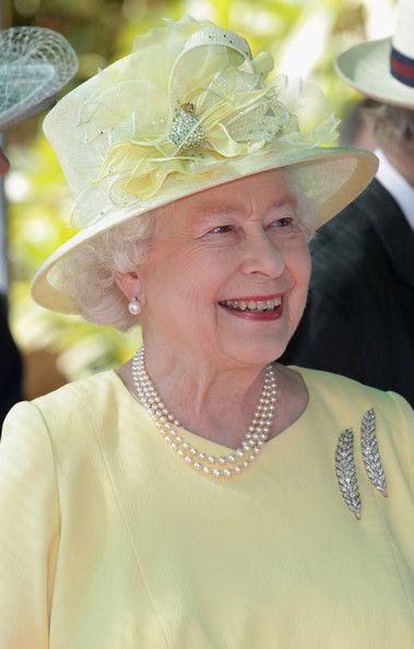 912 Best Queen Elizabeth 39 S Hats Images On Pinterest