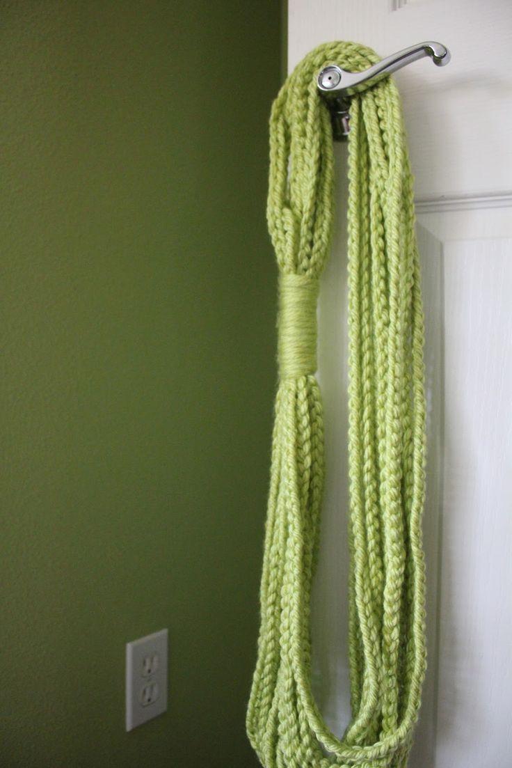 HiddenDaisyy: Chain Loop Scarf
