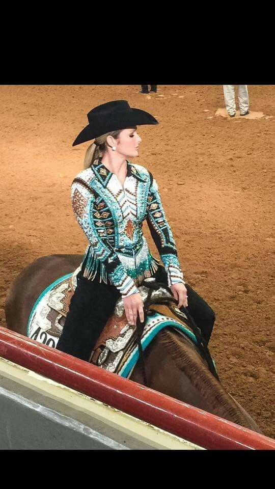 Western pleasure. Golden West saddle blanket. Horse show fashion.